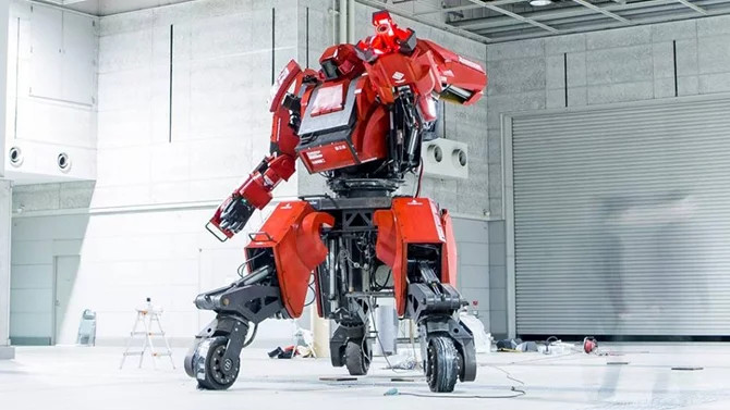 Robot Kuratas.