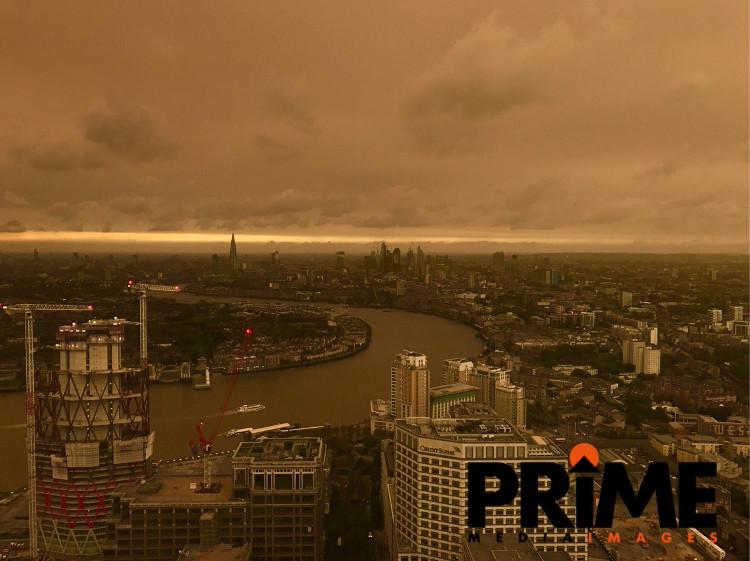 Bầu trời của London vào ngày 16/10.