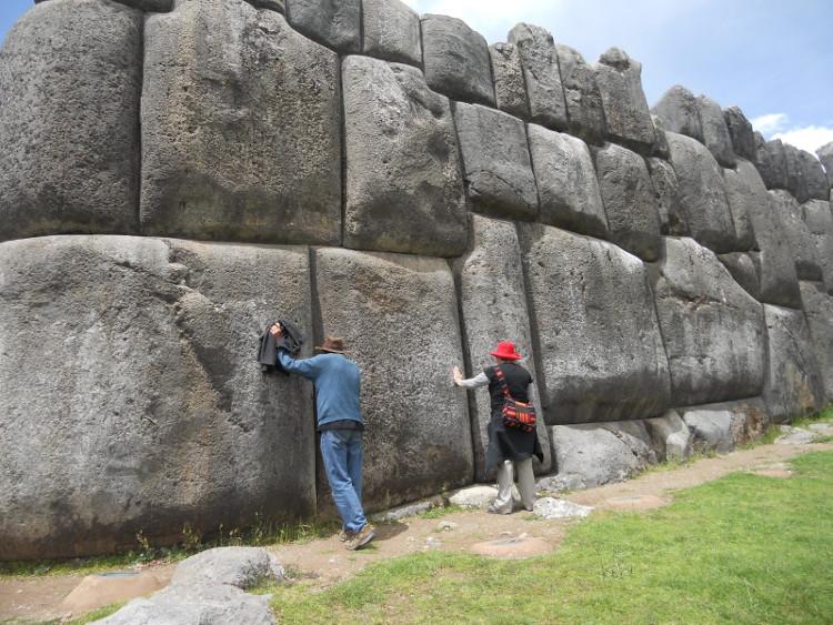 Di chỉ cự thạch Saksaywaman.