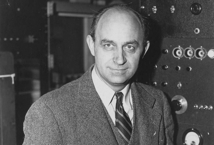 Enrico Fermi là 1 thiên tài toán học và vật lý.