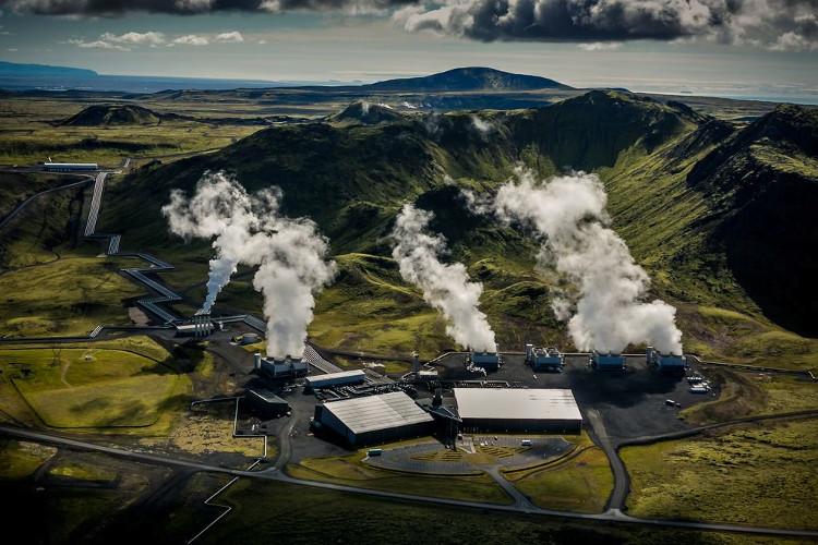 Nhà máy địa nhiệt ở Iceland.