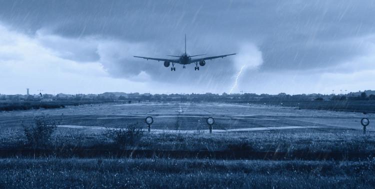 Máy bay hạ cánh