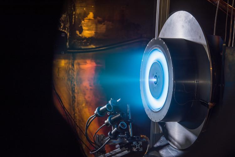 Đồ họa mô phỏng động cơ X3 mới của NASA đang được phát triển.