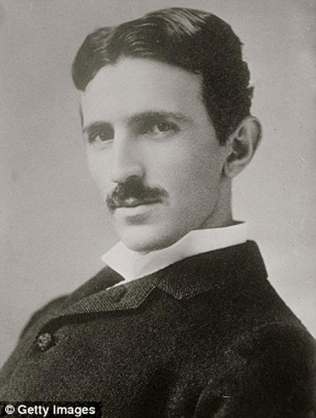 Nikola Tesla (IQ: 140-310)