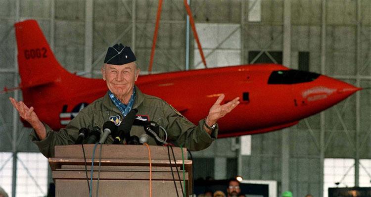 Cựu phi công Yeager