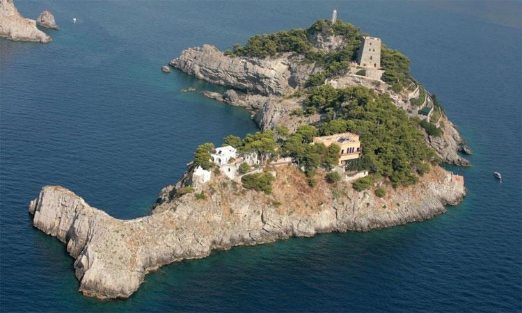 Đảo Gallo Lungo (Salerno, Italy)