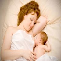 Tại sao mẹ thường thiếu sữa cho con bú?
