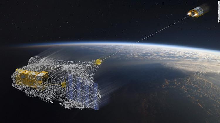 Dọn rác vũ trụ bằng lưới.