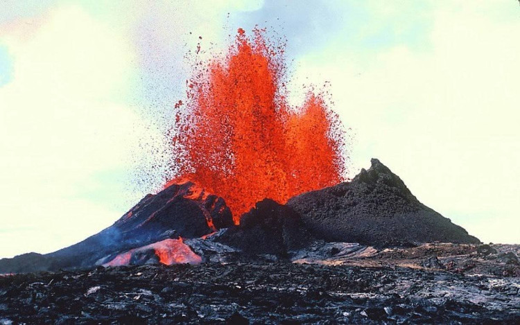 Ai Cập xảy ra một vụ phun trào núi lửa vào năm 44 trước Công nguyên.
