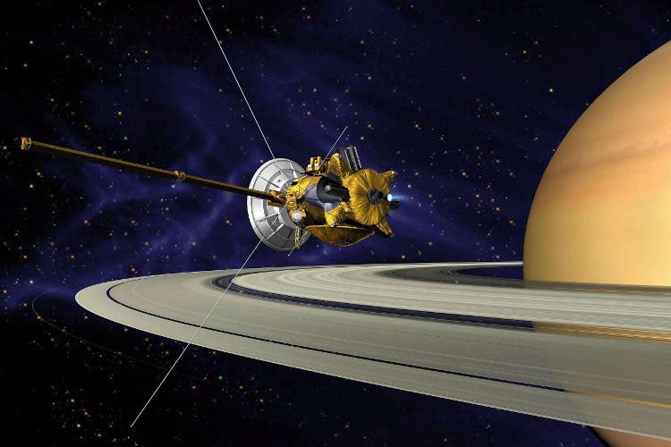 Cassini là tàu thăm dò không gian lần thứ tư tới sao Thổ và là vệ tinh đầu tiên đi vào quỹ đạo.