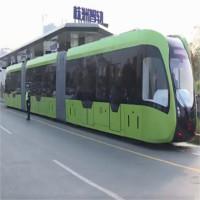 """Tàu """"không đường ray"""" chạy trên đường phố Trung Quốc"""