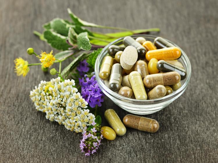 Thực phẩm chức năng có nhiều lợi ích nhưng không thể thay thế thuốc.