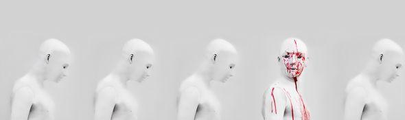 Nỗi lo robot quay lại tấn công con người.