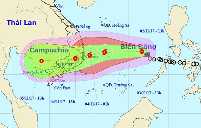 Vị trí và hướng đi của bão số 12 trong bản tin dự báo chiều 2/11.