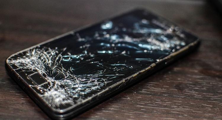 Màn hình điện thoại hiện tại được cấu thành bởi Indium Tin Oxide.
