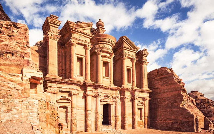 Petra: Thành phố cổ trong lòng núi đá - KhoaHoc.tv