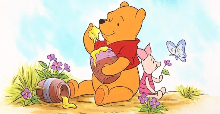 Winnie the Pooh - chú gấu thích ăn mật ong.