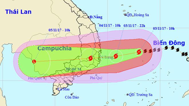 Sáng 3/11, bão đã mạnh lên cấp 12 và dự kiến duy trì cấp độ này đến khi đổ bộ.