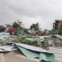 Chùm ảnh: Bão số 12 càn quét, Khánh Hòa tan hoang chưa từng thấy sau hơn 20 năm