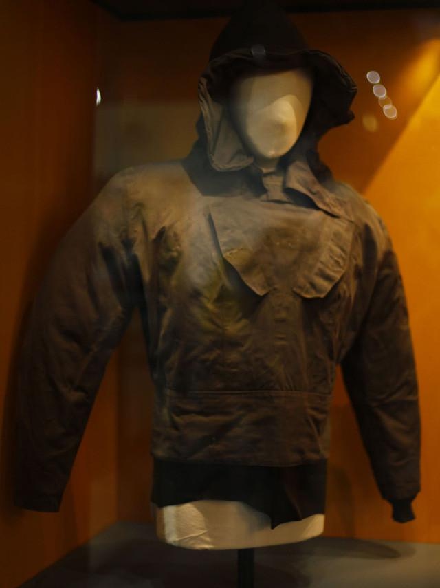 Chiếc áo jacket đi mưa