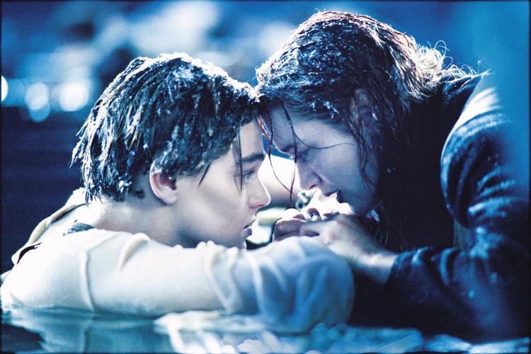 Rose đã sống sót, còn Jack vĩnh viễn không thể trở về.