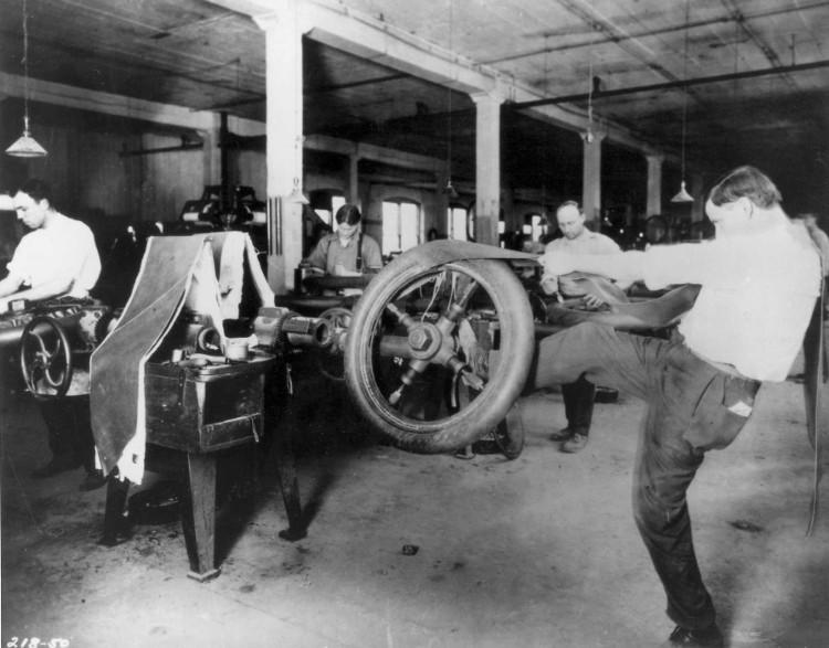 Xưởng làm lốp xe của Goodyear