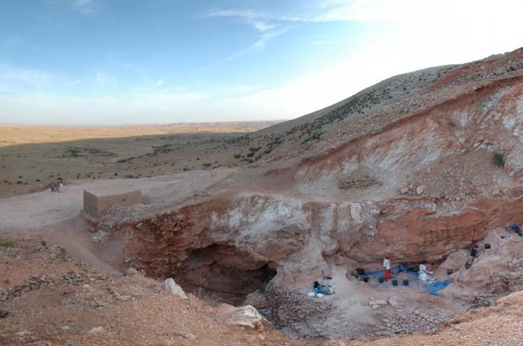 Hang đá Jebel Irhoud.