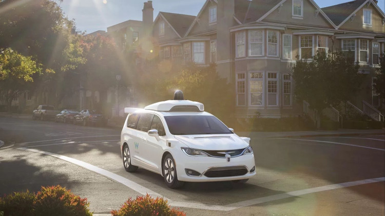 Tuyên bố của Waymo đánh dấu bước ngoặt quan trọng trong công cuộc phát triển xe tự lái.