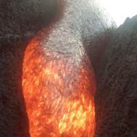 Video chưa từng có từ chiếc camera bị dung nham núi lửa nuốt chửng