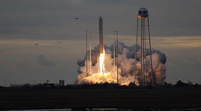 Tàu vận tải Cygnus rời bệ phóng.