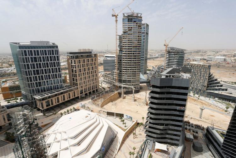 Hình ảnh các tòa nhà đang được thi công, chụp vào tháng 3 năm 2017