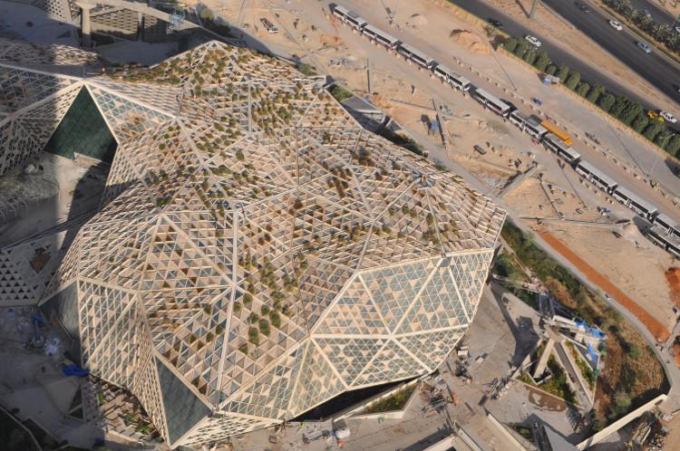 Còn đây là một phần công trình đã hoàn thành với lối kiến trúc vô cùng độc đáo