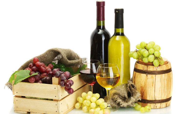 Việc uống rượu làm từ nho đã xuất hiện từ thời kỳ đồ đá mới.