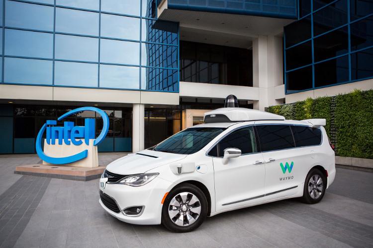 """Xe tự lái của Waymo sẽ được thiết kế để vận hành """"giống con người"""" hơn."""
