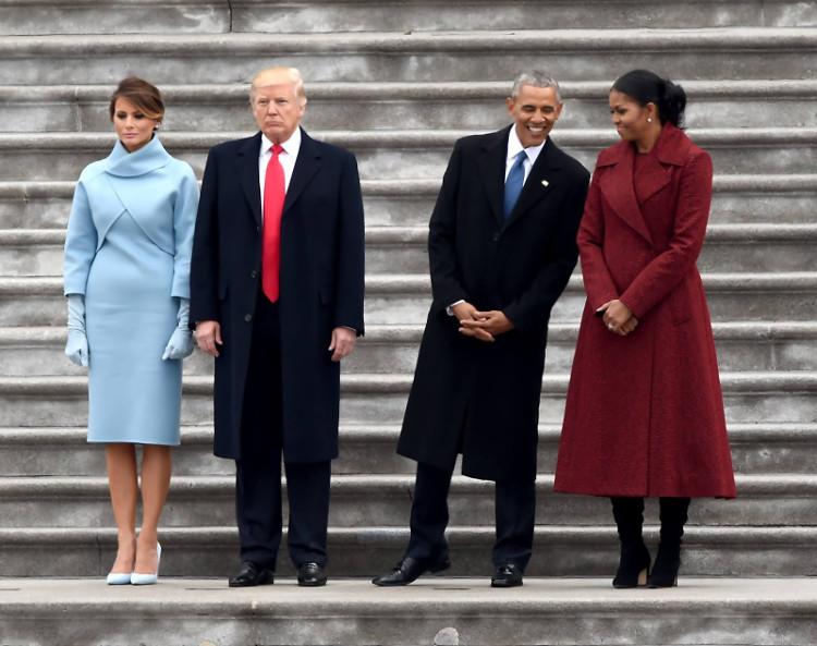 Tổng thống Mỹ Donald Trump thường đeo cà vạt đỏ mỗi khi xuất hiện.