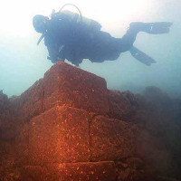 Lâu đài 3.000 năm tuổi dưới đáy hồ lớn nhất Thổ Nhĩ Kỳ