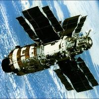 Liên Xô đã cứu trạm vũ trụ Saliut-7 như thế nào?