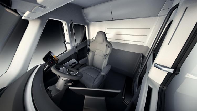Buồng lái của xe tải Tesla.