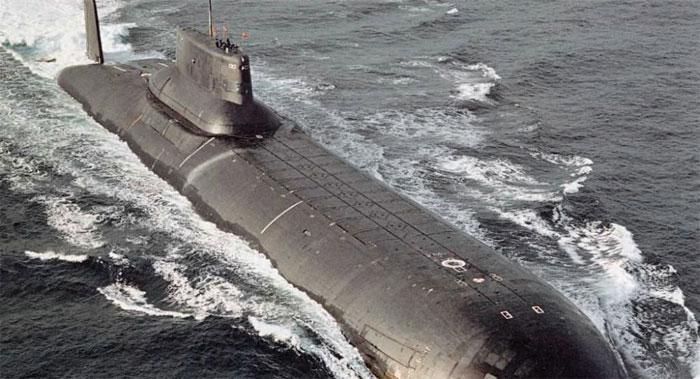 Tàu ngầm quái vật lớp Akula của Nga.