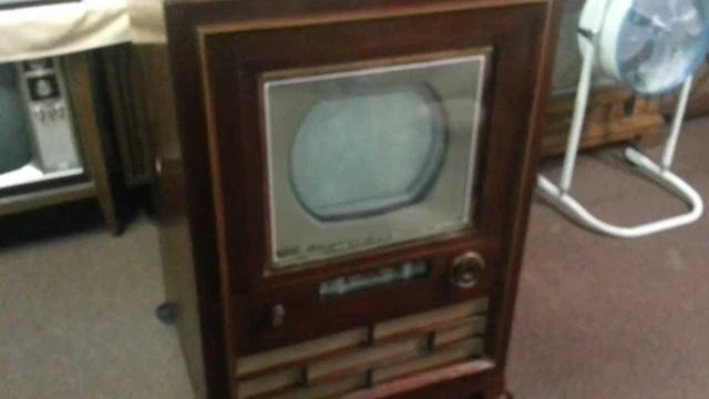 Chiếc TV màu đầu tiên