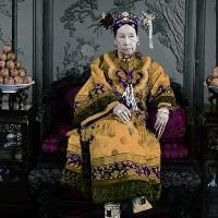 Cuộc sống xa hoa tột bậc của Từ Hy Thái Hậu: Ăn 120 sơn hào hải vị mỗi bữa, có riêng một tuyến đường sắt đi lại trong cung