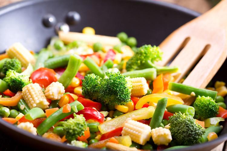 Thực phẩm xào có hàm lượng nước cao rất có hại cho sức khỏe.