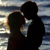 Cuối cùng chúng ta cũng biết vì sao con người ta lại yêu nhau
