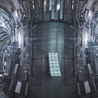 """Bong bóng heli siêu nóng, """"ác mộng"""" của lò phản ứng tổng hợp hạt nhân"""