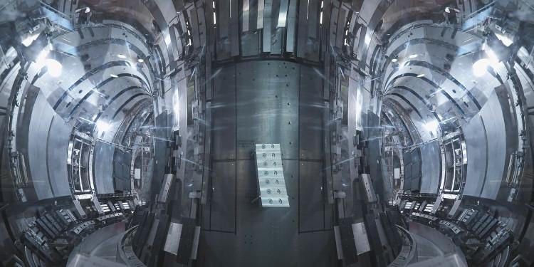 Bong bóng heli là vấn đề nan giải trong các lò phản ứng tổng hợp hạt nhân.