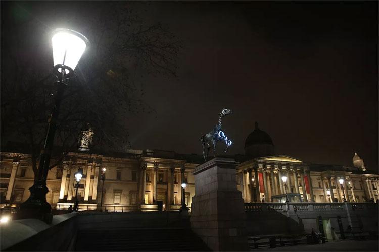 Ngày càng có nhiều nơi được thắp sáng vào ban đêm.
