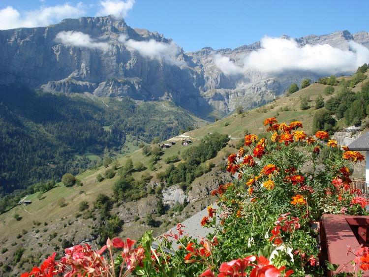 Albinen là thị trấn bình yên, tĩnh lặng, nhìn ra dãy Alps hùng vĩ.