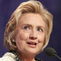 Hillary Clinton cảnh báo về AI