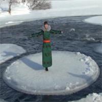 Video: Tảng băng tròn kỳ lạ, quay vòng trên sông lạnh ở Nội Mông