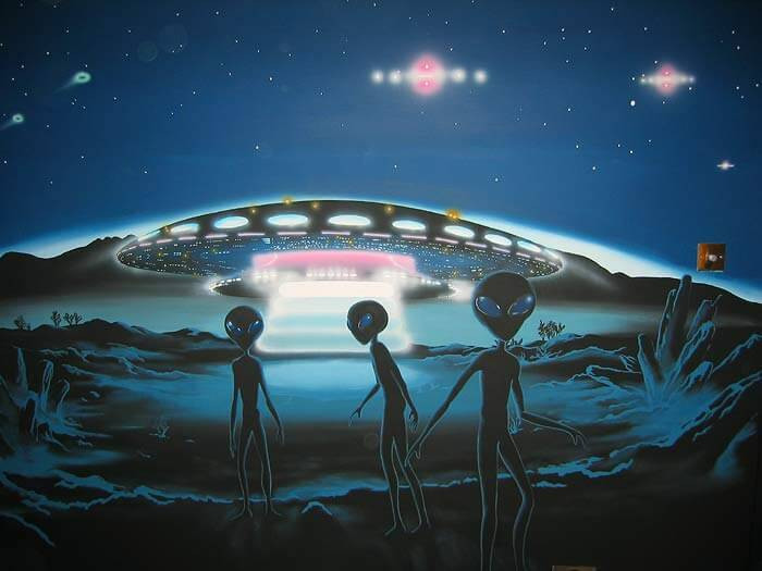 Erhan Kolbasi cho rằng UFO từng ghé thăm Trái Đất nhiều lần.